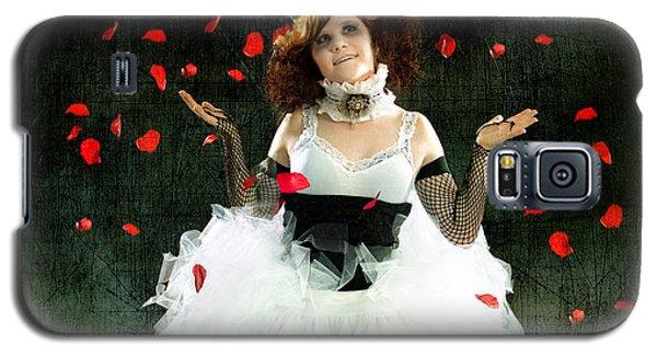 Vintage Dancer Series Raining Rose Petals  Galaxy S5 Case