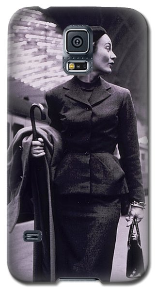 Train Galaxy S5 Case - Vintage Fashion Elegant Lady by Mindy Sommers
