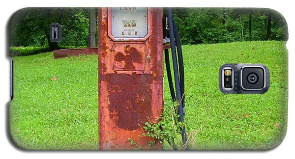 Galaxy S5 Case featuring the photograph Vintage Gas Pump by Donna Dixon