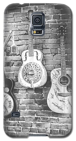 Vintage Guitar Trio In Black And White Galaxy S5 Case