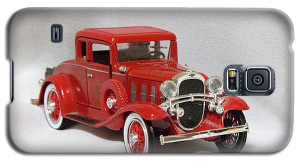Galaxy S5 Case featuring the photograph Vintage Model Fire Chiefcar by Linda Phelps
