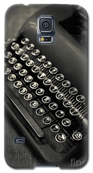 Galaxy S5 Case featuring the photograph Vintage Portable Typewriter by Edward Fielding
