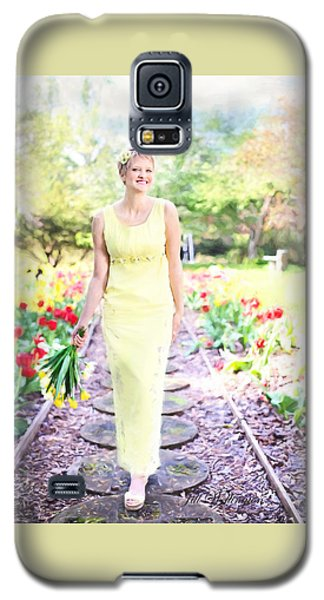 Vintage Val In Tulips Galaxy S5 Case