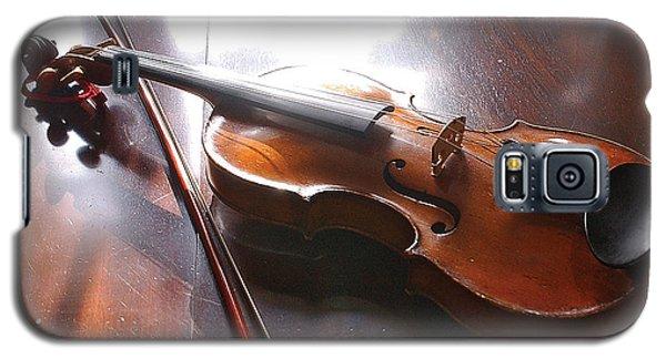 Violin On Table Galaxy S5 Case