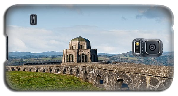 Vista House At Crown Point Galaxy S5 Case by Jeff Goulden