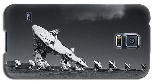 Galaxy S5 Case featuring the photograph VLA by Carolyn Dalessandro