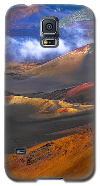 Galaxy S5 Case featuring the photograph Volcanic Crater In Maui by Debbie Karnes