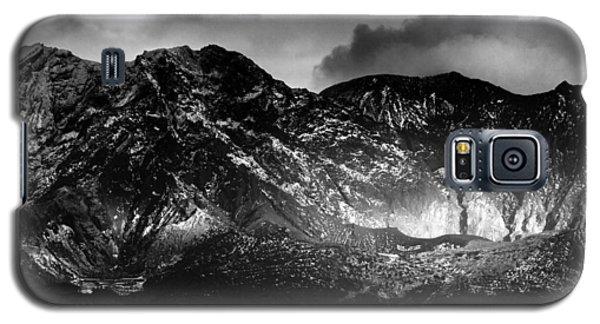 Galaxy S5 Case featuring the photograph Volcano by Hayato Matsumoto