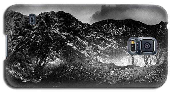 Volcano Galaxy S5 Case by Hayato Matsumoto