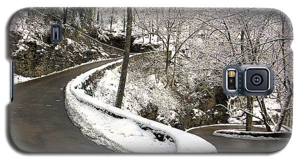 W Road In Winter Galaxy S5 Case