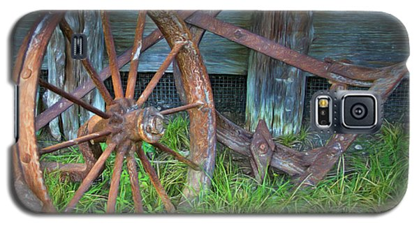 Galaxy S5 Case featuring the photograph Wagon Wheel And Fence by David and Carol Kelly