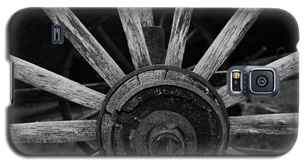 Galaxy S5 Case featuring the photograph Wagon Wheel by Eric Liller