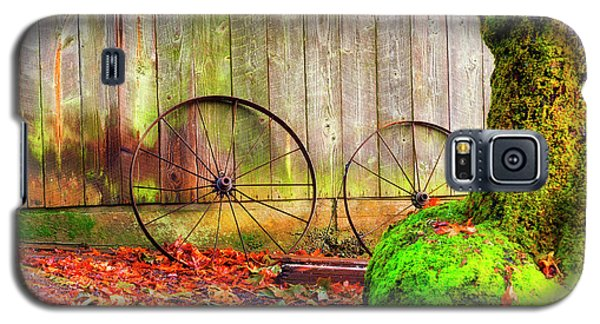 Wagon Wheels And Autumn Leaves Galaxy S5 Case