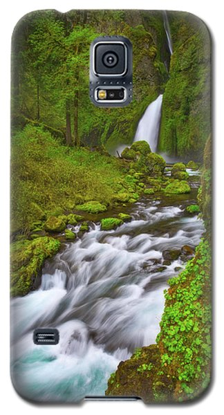 Galaxy S5 Case featuring the photograph Wahclella Falls by Darren White