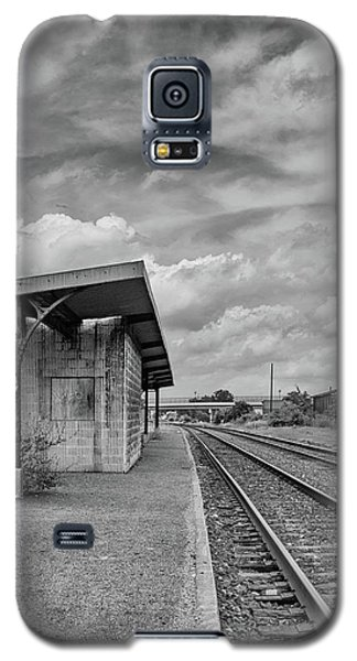 Waiting For The Train Galaxy S5 Case