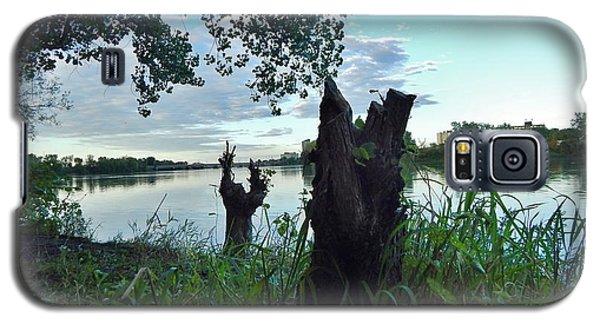 Walk Along The River In Verdun Galaxy S5 Case