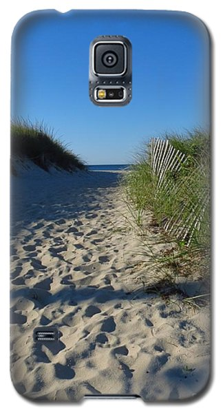 Walk To The Beach Galaxy S5 Case