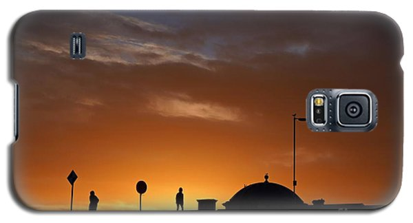 Walking At Sunset Galaxy S5 Case