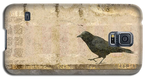 Galaxy S5 Case featuring the photograph Walking Crow by Carol Leigh