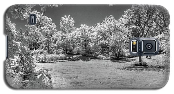 Walking In Clark Gardens Galaxy S5 Case