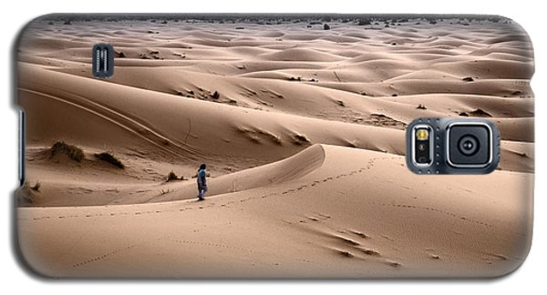Galaxy S5 Case featuring the photograph Walking The Desert by Yuri Santin