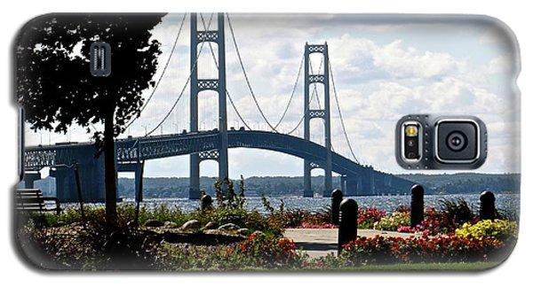 Walking To The Bridge Galaxy S5 Case