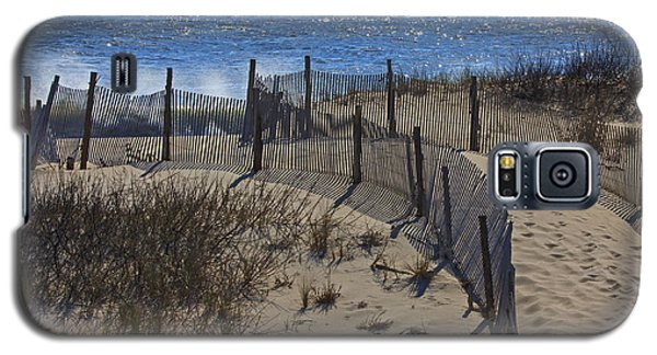 Galaxy S5 Case featuring the photograph Walkway To The Beach by Robert Pilkington