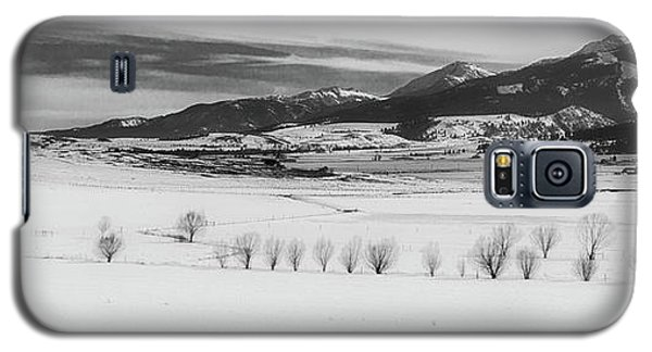 Galaxy S5 Case featuring the photograph Wallowa Mountains by Cat Connor