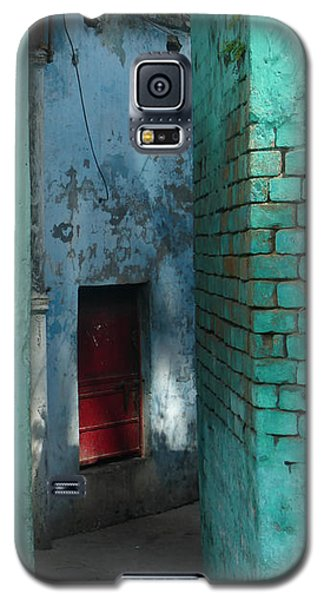 Galaxy S5 Case featuring the photograph Walls by Jean luc Comperat