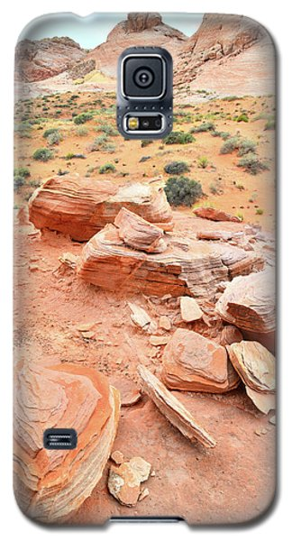 Galaxy S5 Case featuring the photograph Wash 4 In Valley Of Fire by Ray Mathis