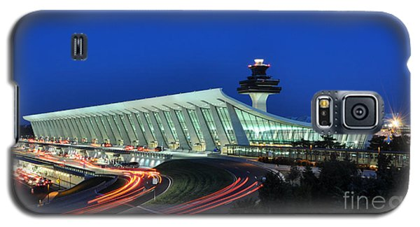 Washington Dulles International Airport At Dusk Galaxy S5 Case by Paul Fearn