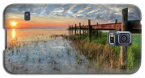 Watching The Sun Rise Galaxy S5 Case