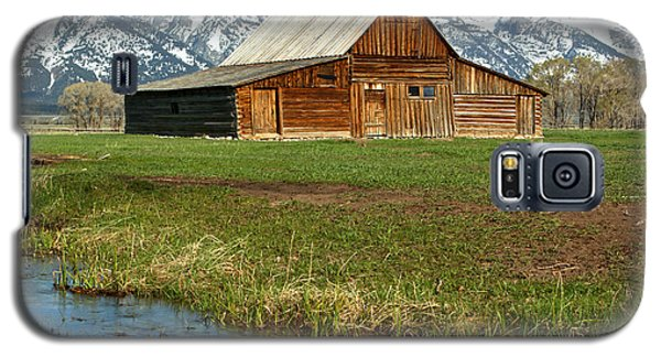 Water By The Barn Galaxy S5 Case by Adam Jewell