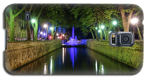 Galaxy S5 Case featuring the photograph Water Fountain At Night by Scott Carruthers