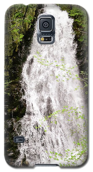 Water Roaring Down Cascade Falls, Farmington, Maine  -30377 Galaxy S5 Case