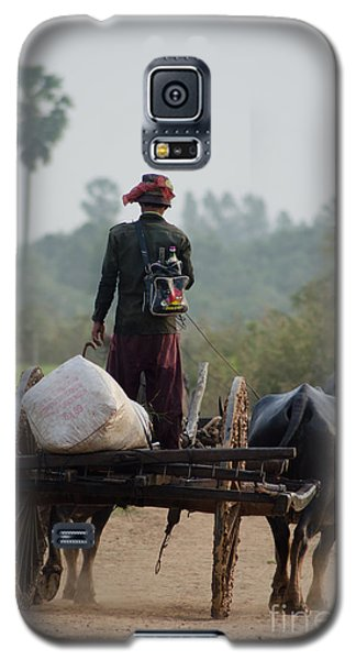 Waterbuffalo Driver With Angry Birds Tote Bag Galaxy S5 Case by Jason Rosette