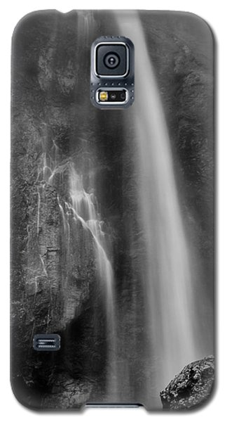 Galaxy S5 Case featuring the photograph Waterfall 5830 B/w by Chris McKenna