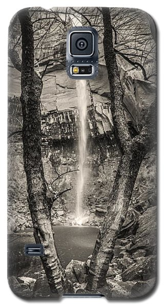 Waterfall At Upper Emerald Pool Galaxy S5 Case