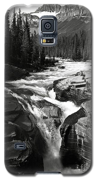 Galaxy S5 Case featuring the photograph Waterfall In Banff National Park Bw by RicardMN Photography