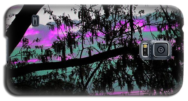 Galaxy S5 Case featuring the photograph Waterloo Sunset by Susan Carella
