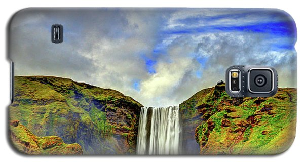Galaxy S5 Case featuring the photograph Watermall And Mist by Scott Mahon
