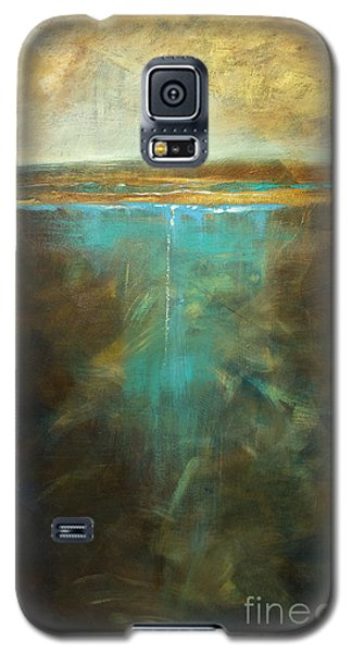 Water's Edge In The Moonlight Galaxy S5 Case by Linda Olsen