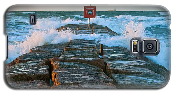 Galaxy S5 Case featuring the photograph Wave Action by John Collins