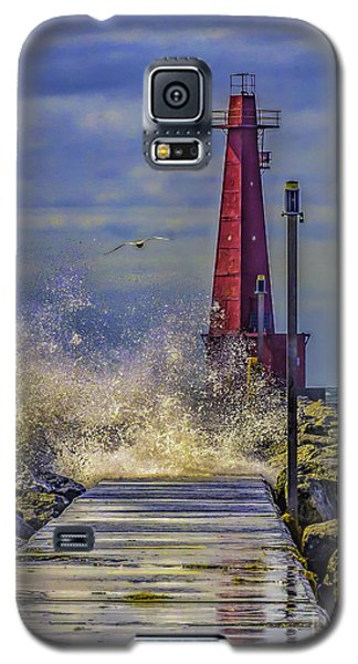 Waves At Muskegon South Breakwater Galaxy S5 Case