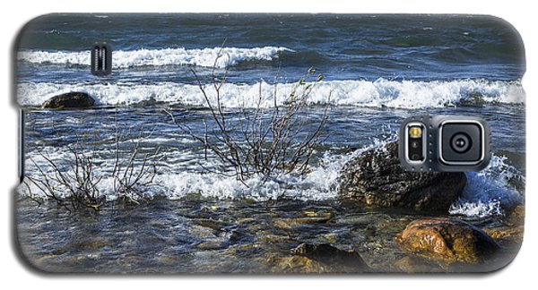 Waves Crashing Ashore At Northport Point On Lake Michigan Galaxy S5 Case
