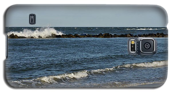 Galaxy S5 Case featuring the photograph Waves by Sandy Keeton