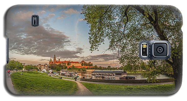 Wawel Royal Castle Seen From Vistula Bank In 16x9 Galaxy S5 Case