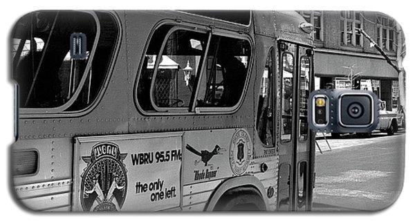 Wbru-fm Bus Sign, 1975 Galaxy S5 Case