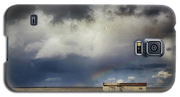 Galaxy S5 Case featuring the photograph We All Need A Little Hope by Laurie Search