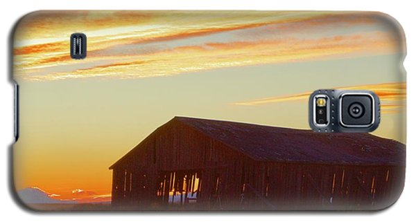 Weathered Barn Sunset Galaxy S5 Case